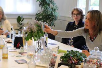 Vernetzungsgedanken zum Abendbrot: Kunsttherapeutin Sonja Wartjen stellt sich vor. Foto: Derya Özlük