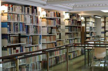 Mit Bibliothek und Digital- Angeboten stellt das GEI umfangreiche Forschungsinfrastrukturen bereit. Foto: Merle Janßen