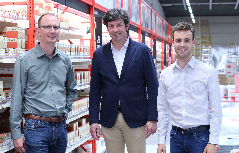 Andre Günther, Volker Gehrt und Jan Heins in der neuen Niederlassung im ehemaligen Fliesenmarkt. Foto: Stephanie Link