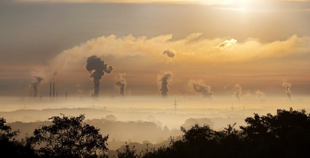 Verschmutzte Luft: Hauptursache sind CO2-Emissionen in den Bereichen Energie, Verkehr und industrielle Landwirtschaft. Foto: Jannik Heusinger