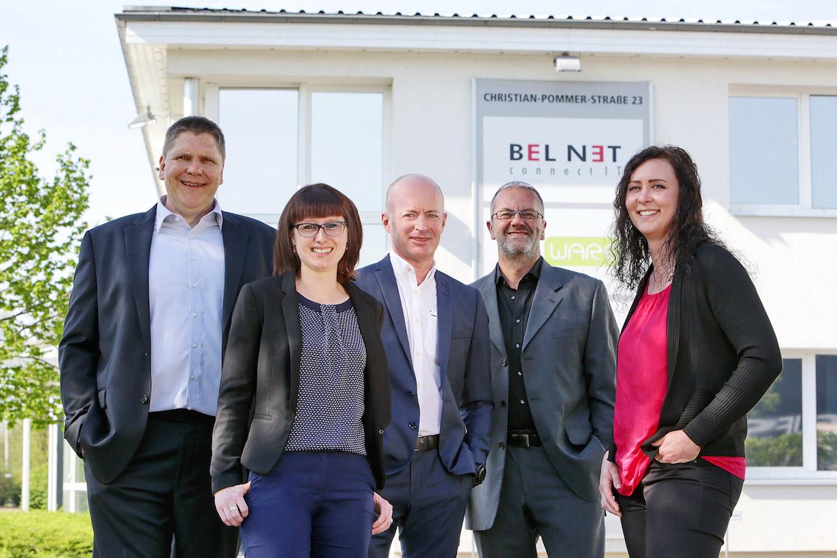 Die künftige und die bisherige Geschäftsführung von Bel Net: Uwe Dinda, Sarah Fricke, Marco Fantoni, Michael Kehbein und Carina Grocholl. Foto: Bel Net GmbH