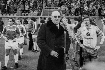 1973 erfand Günter Mast als Sponsor von Eintracht Braunschweig die Trikot-Werbung. Später wurde der frühere Jägermeister-Chef auch Präsident des Vereins. Foto: Mast-Jägermeister SE