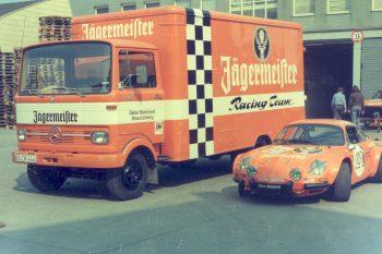 Von 1972 bis 2000 engagierte sich Jägermeister auch als Sponsor im Rennsport. Foto: Mast-Jägermeister SE