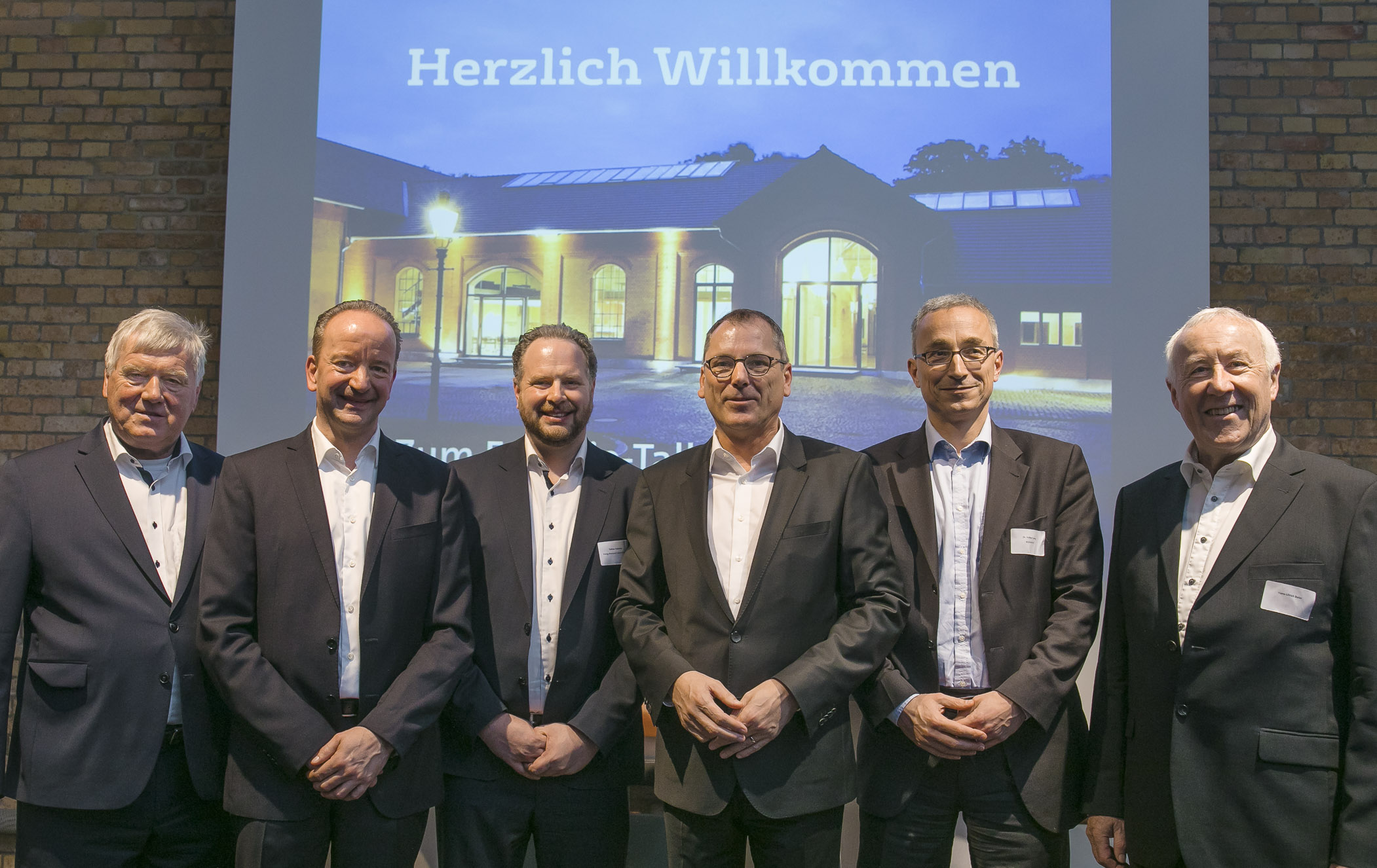 Energietalk BS Energy: v.l.n.r. Klaus Winter, Prof. Dipl.-Ing. Andreas Grübel, Dipl.-Ing. Tobias Federico, Paul Anfang, Dr. Volker Lang, Hans-Ulrich Baier. Foto: Peter Siergik