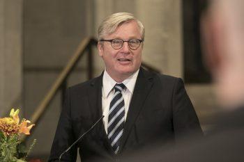 ... Festredner und Niedersachsens Wirtschaftsminister Dr. Bernd Althusmann ...